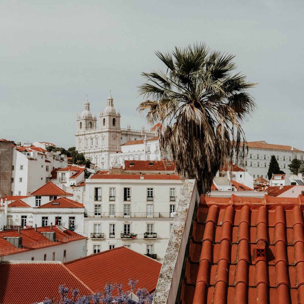 Alfama - Vila home is an agency specialized in finding the perfect space for you. He hunt houses that can fit your needs. We make sure everything is perfect for you.