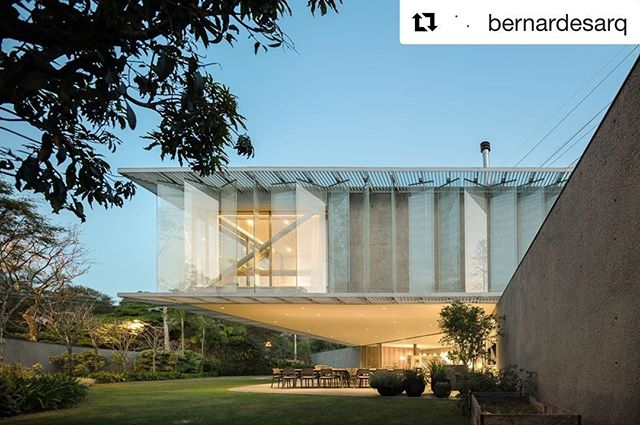 #repost @bernardesarq . #cenariopaisagismo #paisagismo #landscapedesign #landscapearchitect #jardim #landscape