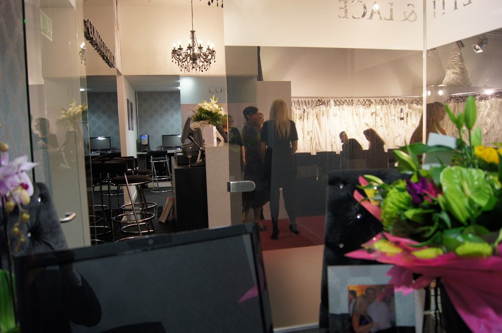 confetti & lace boutique and office