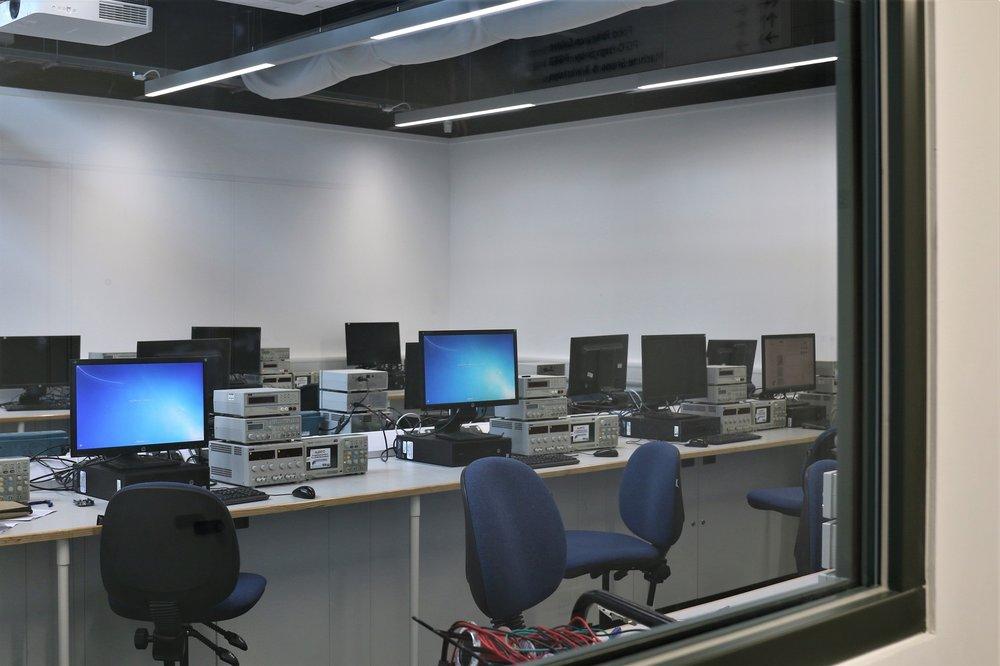 Bournemouth Uni IT Lab 1.JPG
