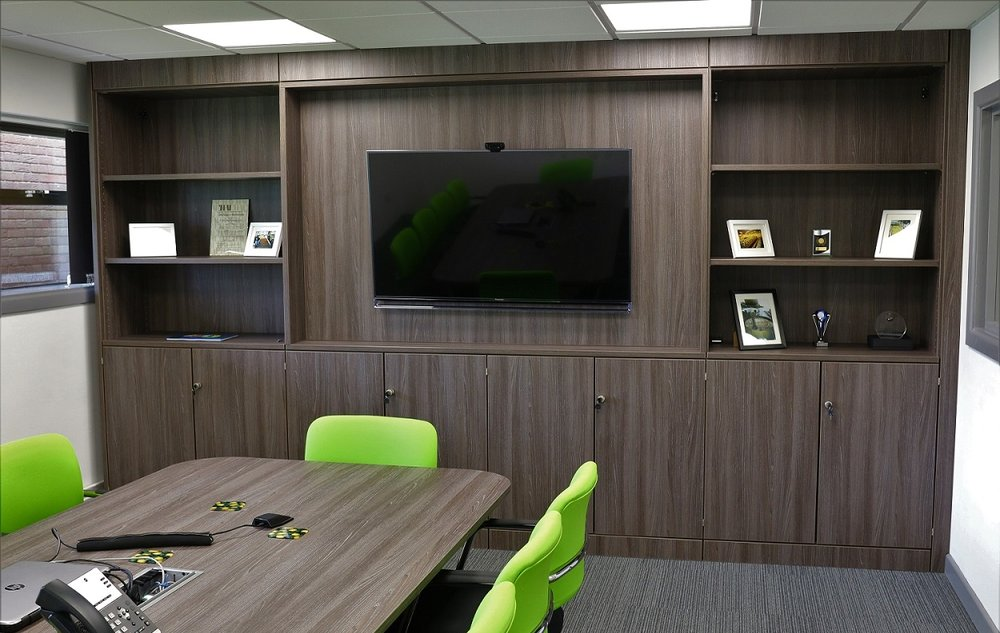 Bespoke boardroom with fitted furniture