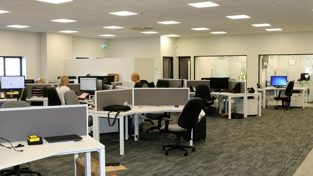 Open plan & individual offices with meeting rooms