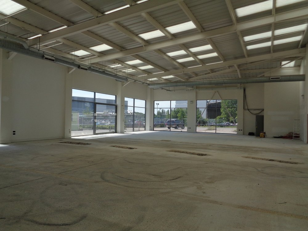 Car workshop before refurbishment