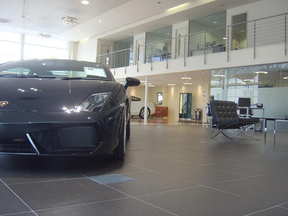 Sevenoaks Lambo Bentley 003.jpg