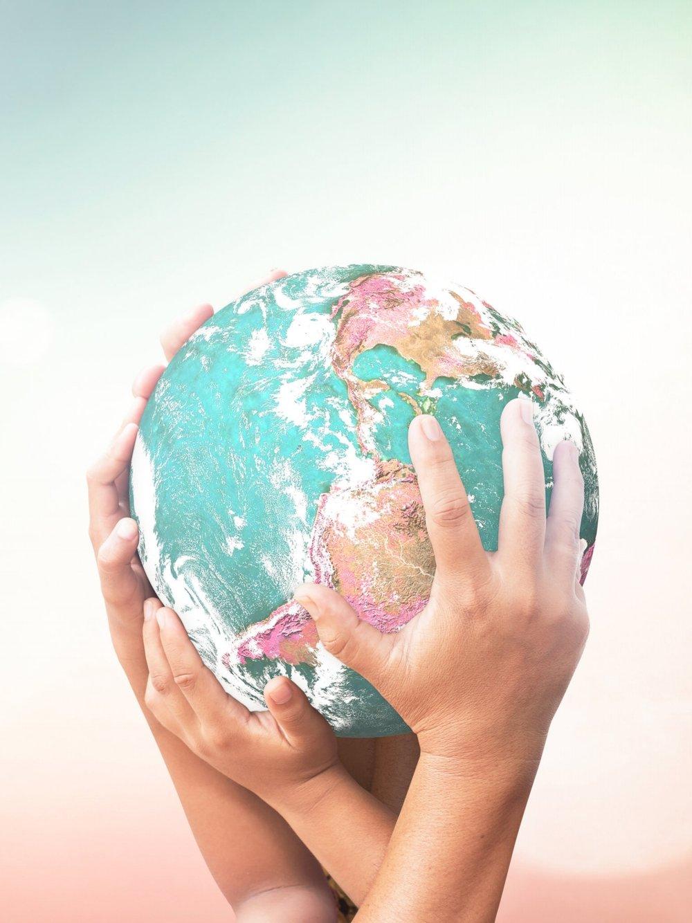 ¿QUÉ ES FILANTROFILIA? - Filantrofilia es una asociación civil sin fines de lucro fundada en 2009, con el objetivo de fortalecer y profesionalizar el sector social.Nuestra misión es maximizar el impacto de la filantropía mediante la calificación y la profesionalización de las organizaciones de la sociedad civil.Utilizamos una metodología innovadora, basada en las mejores prácticas a nivel internacional y metodologías exitosas en otros países. De manera constante nuestra metodología y mejores prácticas son revisadas y actualizadas para mantener nuestro proceso vigente y relevante.Nuestra teoría del cambio: Calificar a las organizaciones de la sociedad civil y promover la máxima transparencia, profesionalismo y eficacia del sector social mexicano, para potencializar su impacto.