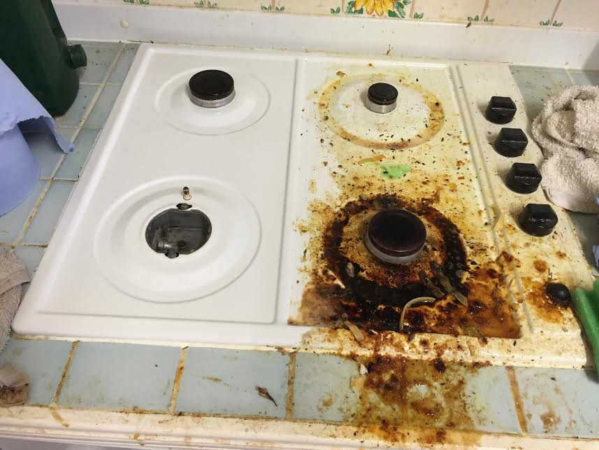 Hoarder-Cleaning-Company-Weston-super-Mare-Bristol-Somerset-Crawfordsprc-Before-and-After-oven.jpg