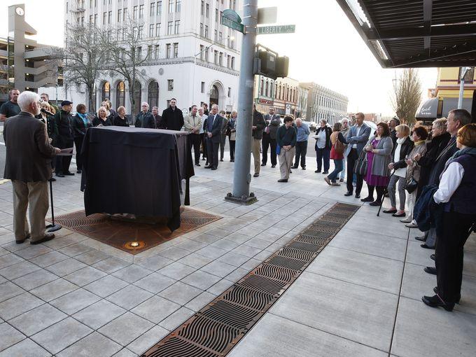 Cube dedication crowd scene 2016 Photo Danielle Peterson Statesman Journal.jpg