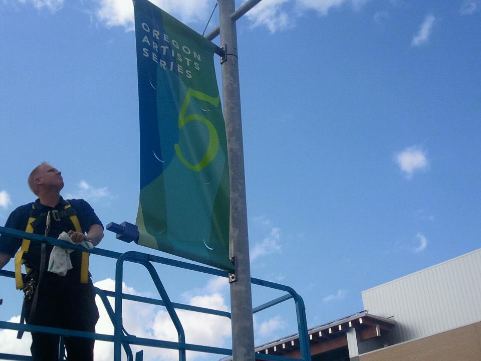 Smal banner install SCC 2011.jpg