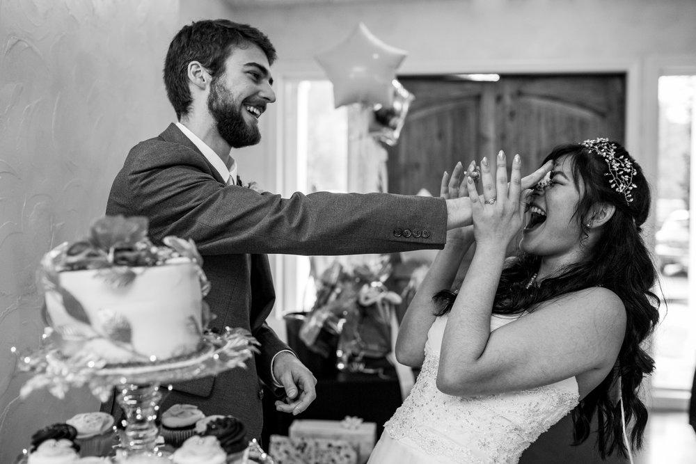 Wedding_Photographer_Portland_Oregon_Cake-1.jpg