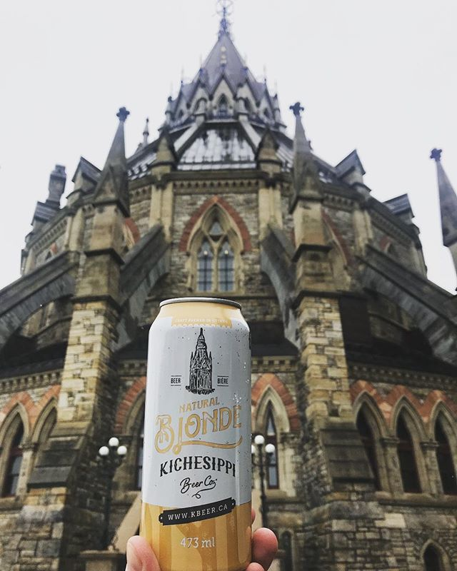 When we operate on the hill people drink @kichesippibeer 🍻🍺🍻🍺🍻🍺🍻🍺🍻 #mcgevents #ottawa #ottcity #ottawaevents #ottawatourism #ottawawedding #ottawaweddings #ottawacatering #ottawa #ottawafood #ottawarestos #mycateringgroup #myottawa #ottcity