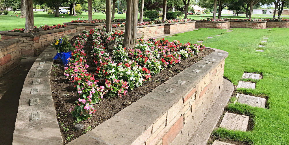 CherokeeMemorial_Banner_Garden_upright.jpg