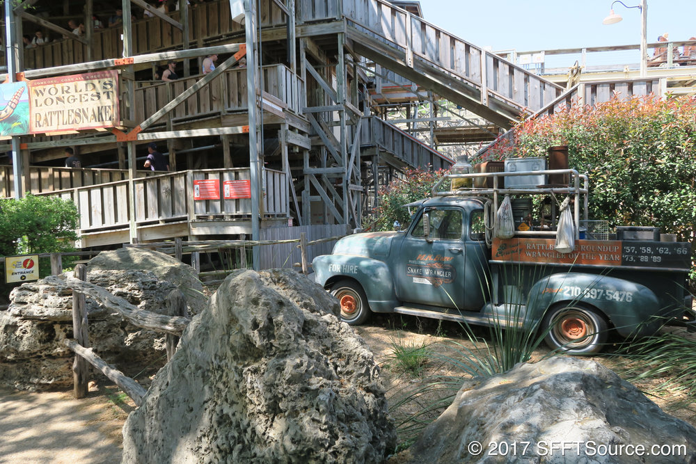 A look at Iron Rattler's queue area.
