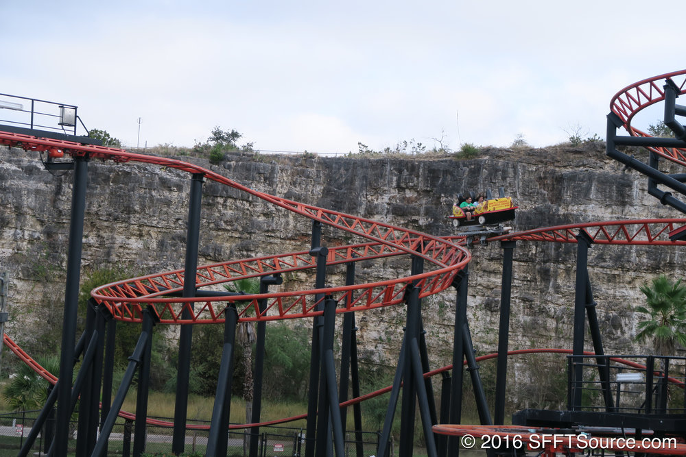 Cars spin freely throughout the ride circuit.