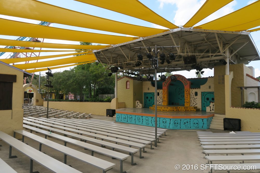 The venue is located in Los Festivales.