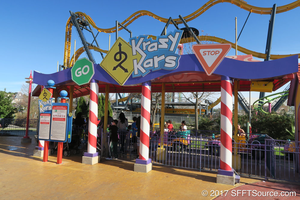 The main entrance to Krazy Kars.