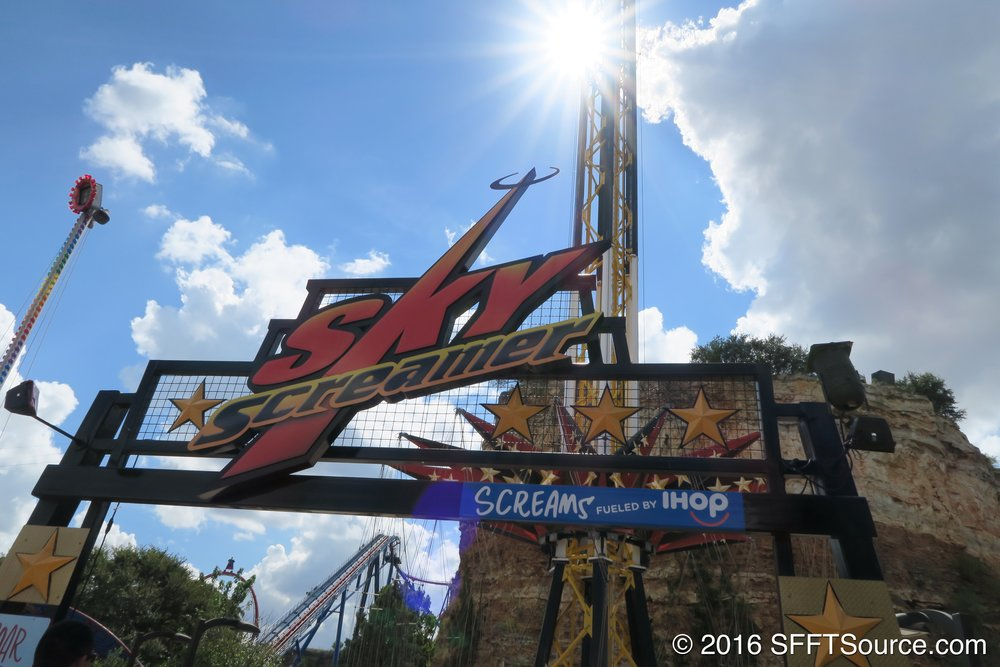 The main entrance to SkyScreamer.