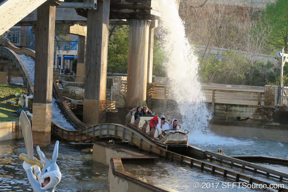 One of multiple hills on Bugs' White Water Rapids.