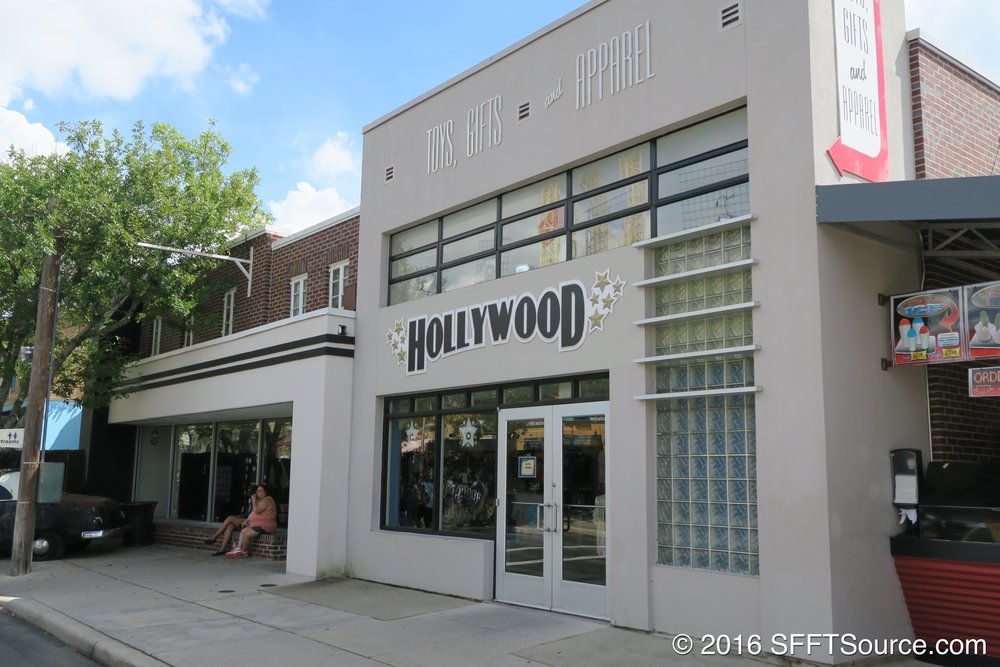 Hollywood is an indoor shop in DC Universe.