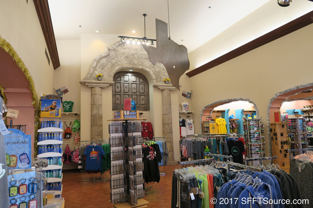A look at the inside of Six Flags Mercado.
