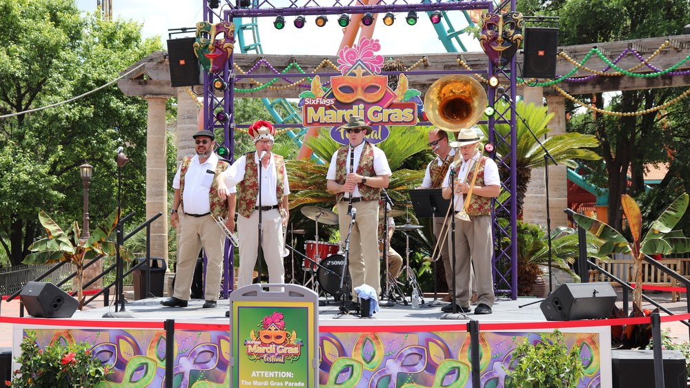 King of N'Awlins Swing  - Texas State Square StageBrand new for 2018, the King of N'Awlins Swing will make their debut on the Texas State Square Stage in Los Festivales playing great Mardi Gras-themed music.