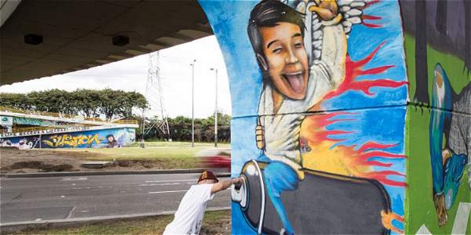 Five years after Diego's death, 130 graffiti artists spent a weekend painting the walls under a bridge in Bogota in his honor.  Photo: Diego Santacruz / EL TIEMPO