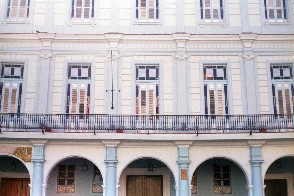 MM 130 - Plaza Vieja Havana, Cuba