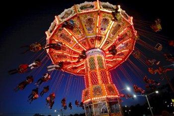 CarnivalSwing1.jpg
