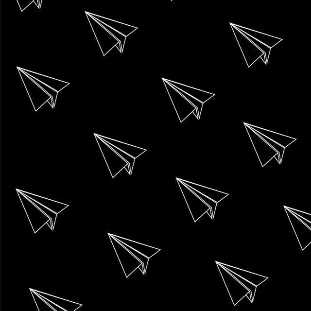 """""""Tudo começou quando me descobri negra. Passar pela transição capilar foi um processo interno intenso de aprendizado sobre mim mesma. Foi assim que minha presença virou resistência."""" ⠀⠀ Entrevistamos Jéssica Gomes, a primeira mulher fora do eixo Rio-Sao Paulo a ser escolhida pelo Cannes Lions e a única brasileira em 2018. Falamos de representatividade, oportunidade, planos e sonhos. A entrevista completa está lá no nosso site. O link clicável está aqui na bio."""