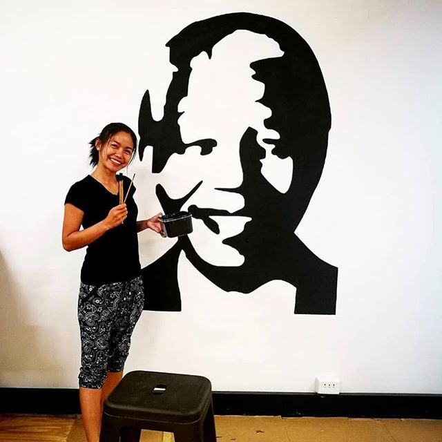 How amazing is this!? Our very own @tarn_jitnapa working her magic in SolarBuddy's new office 👩‍🎨 #newoffice #nelsonmandela #inspiration