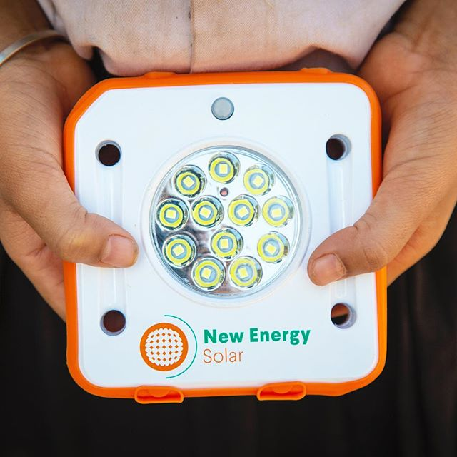 Do you attend or work at a school in Sydney? We've partnered with New Energy Solar, a sustainable investment business, to deliver  engaging and innovative workshops to students in Sydney! Get in touch by commenting or sending us a message and we can lock your school in to be part of this exciting new program! 🔐 💡 🌍 #empower #sustainability #solarbuddy #illuminatingfutures
