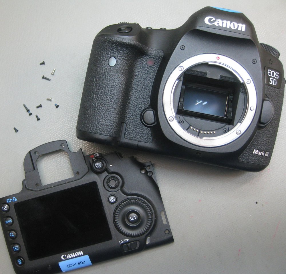 Canon EOS 5D MKIII back cover.JPG