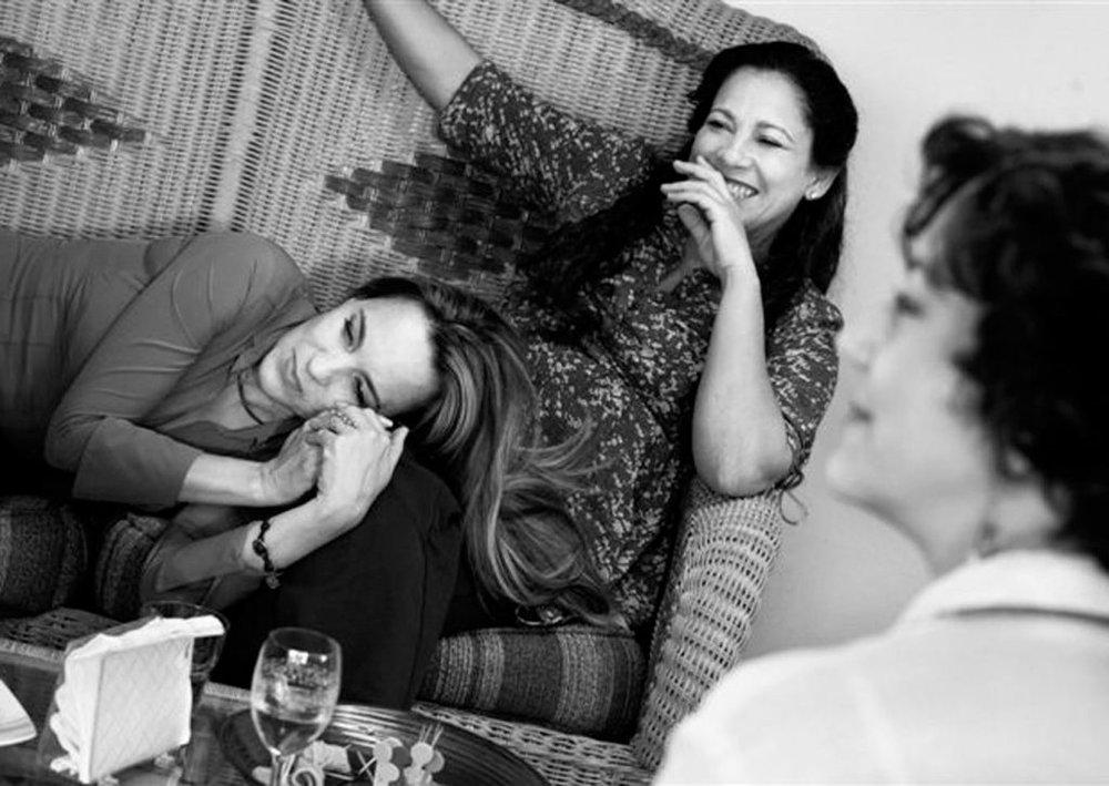 ¿POR QUÉ LLORAN MIS AMIGAS? - Magda González Grau Cuba / 2018 / 82 min / EspañolMIÉR 6 / CINEMATECA NACIONAL / 17h30JUE 7 / PLAZA DE LA REPÚBLICA / 18h30Cuatro amigas se encuentran después de veinte años sin verse. El recuento de sus vidas impone a cada una retos futuros que están dispuestas a afrontar juntas.