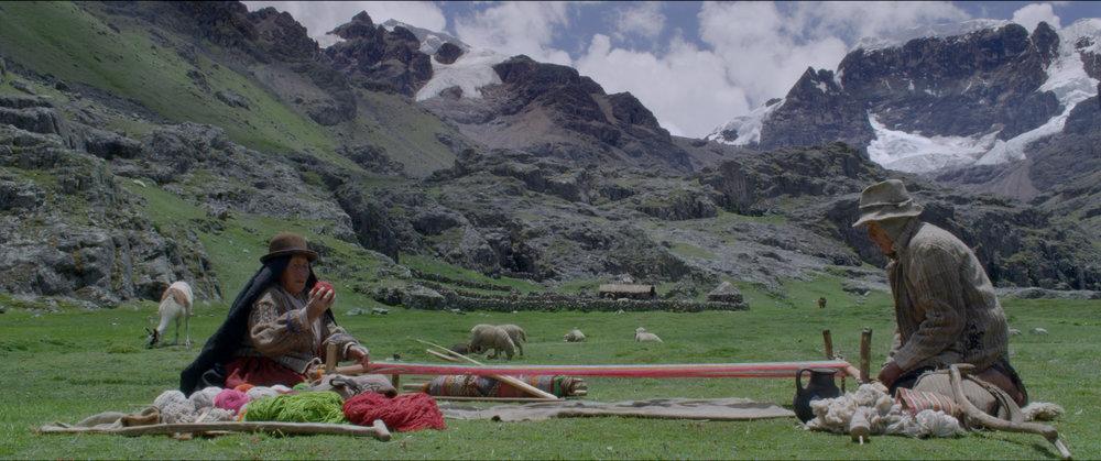 WIÑAYPACHA - Oscar CatacoraPerú / 2017 / 86 min / AymaraJUE 7 / CINEMATECA NACIONAL / 17h30DOM 10 / OCHOYMEDIO SALA 2 / 19h00Esta es la historia de Willka y Phaxsi, una pareja de ancianos de más de ochenta años que viven abandonados en un lugar remoto de los andes del Perú, a más de cinco mil metros de altura. Ellos enfrentan la miseria y el inclemente paso del tiempo, rogando a sus dioses para que por fin llegue su único hijo a rescatarlos.