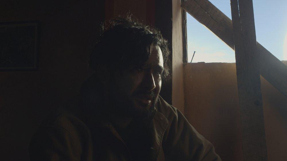 CIELO ABIERTO / EL CULTO - Santiago García Quito / 2017 / 20 minVIER 8 / CINE UNIVERSITARIO / 17h00SAB 9 / FLACSO CINE / 20h00Diego busca el significado de un extraño símbolo tatuado en su mano, del que no tiene memoria. En su camino, Diego se topa con un hombre misterioso, quien puede tener las respuestas que busca, pero también, un oscuro secreto.
