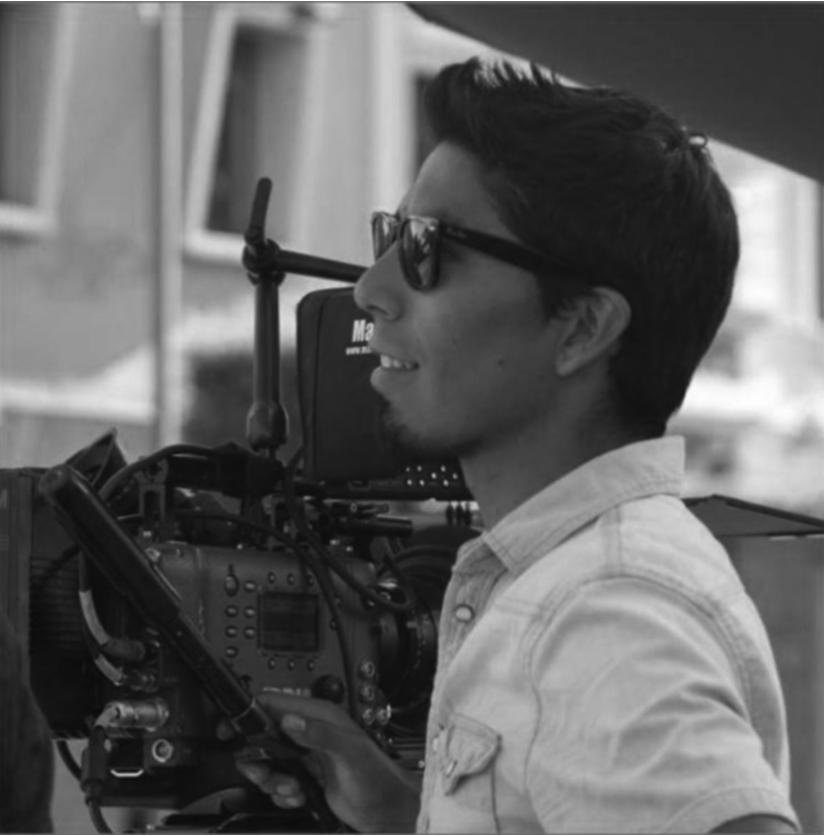 CHRISTIAN CEPEDA RIVERA - Nacido en Quito en 1985. Su experienciadentro del medio cinematográfico se hadesarrollado desde el 2012, cuando formóparte del equipo de producción en la película Feriado de Diego Araujo. Posteriormente, tuvo la oportunidad de rodar la película Una Noche sin Luna en Uruguay, como parte del departamento de cámara. Ha venido trabajando en películas de directores ecuatorianos como Juan Sebastián Jácome, Miguel Salazar, Iván Mora, entre otros. En la actualidad se desarrolla como foquista-operador de cámara dentro de producciones publicitarias, a la par que viene dando sus primeros pasos como director de fotografía en cortometrajes, institucionales y videoclips.