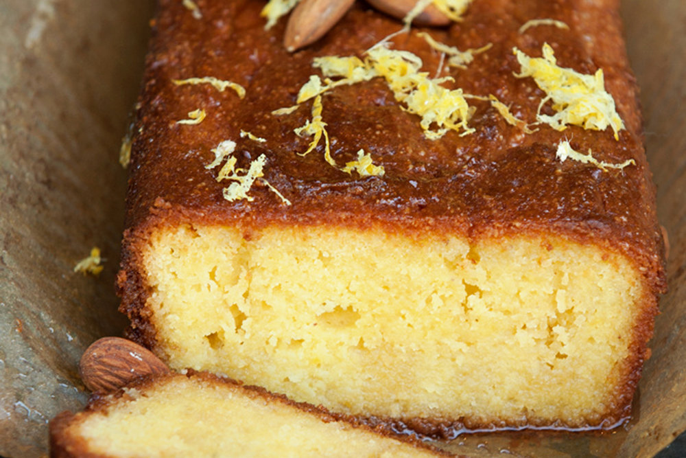 BEST LOW CARB KETO LEMON AND ALMOND CAKE.jpg