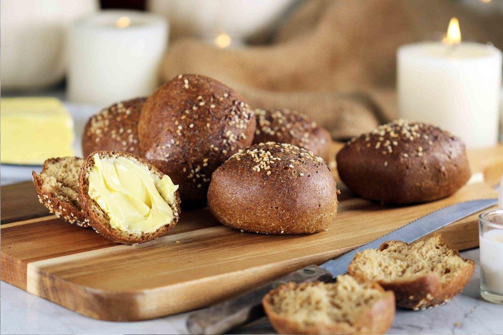 LOW CARB KETO wholegrain bread rolls RECIPE.jpg