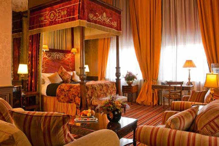 Luxury-Travel--p167-173_SuiteLife-9.jpg