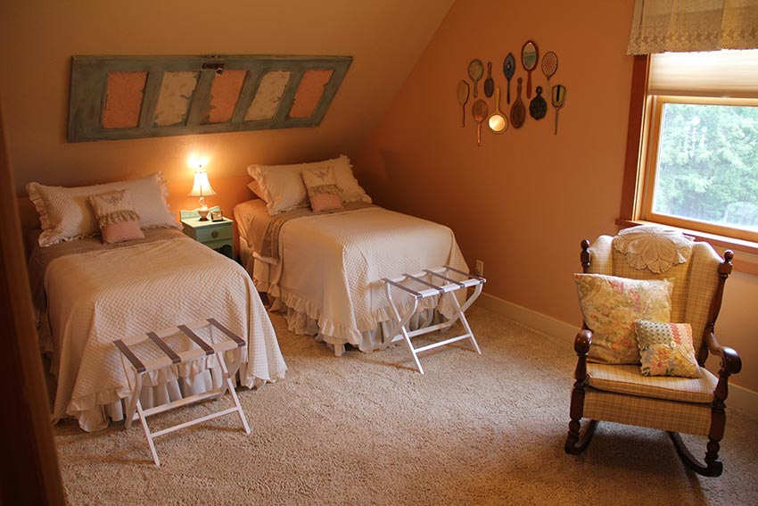 cottage room.jpg