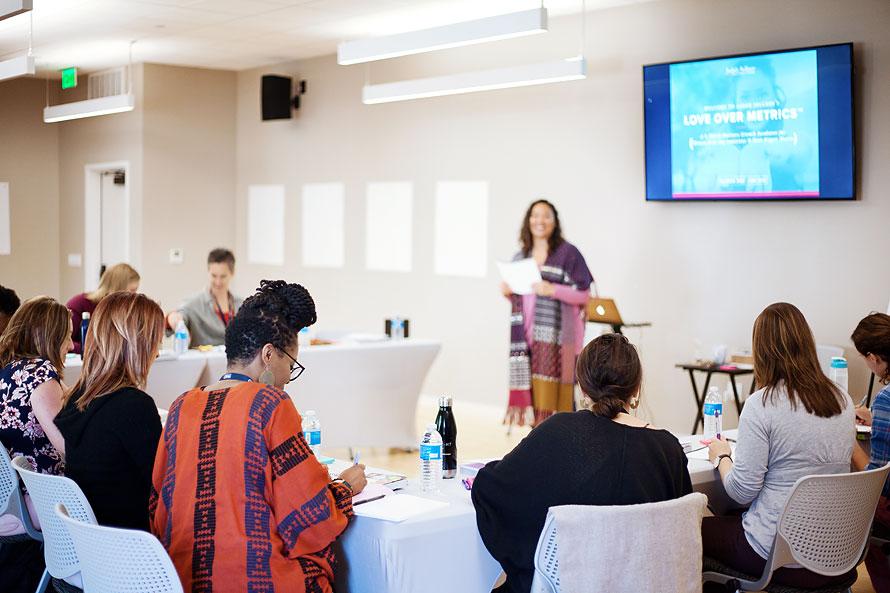 jadah-sellner-mentor-for-female-entrepreneurs-at-lom-retreat-in-oct-2018-by-personal-brand-photographer-brandilyn-davidson.jpg