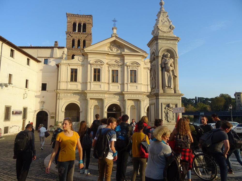 Basilique St Barthélemy dans le quartier 'Île Tibérine'