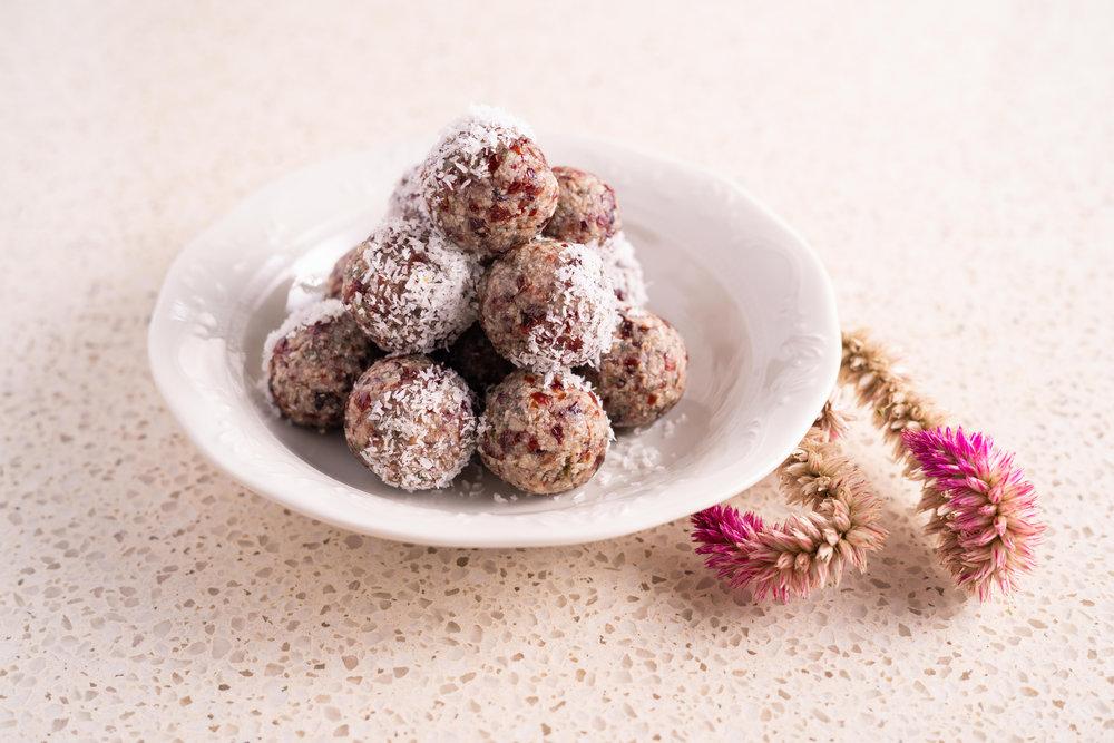 Cranberry Bliss Balls _ samjamphoto -1.jpg