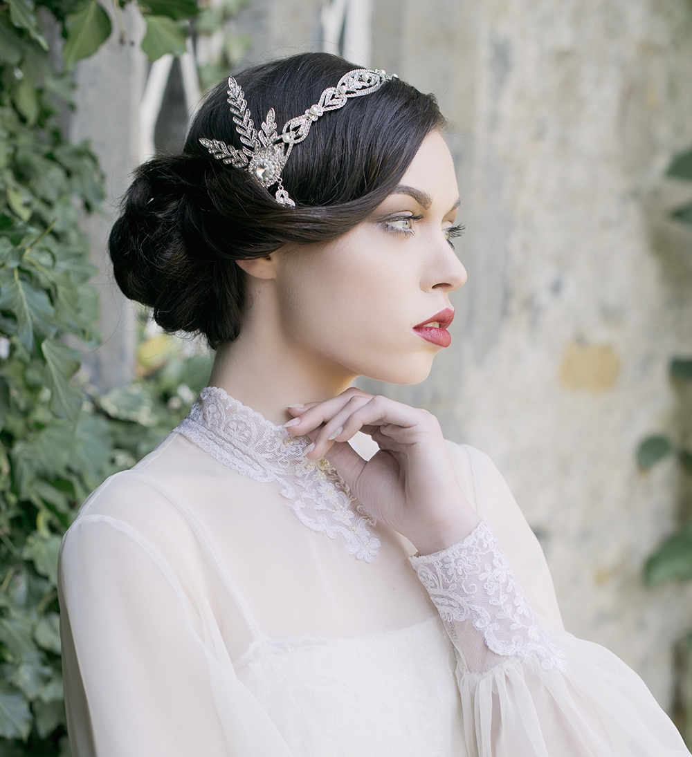Gatsby Style Glamour   1920's style headpieces tie in beautifully with today's modern, form-fitting gowns. They add a beautiful touch of sparkle and evoke a nostalgic era of old Hollywood.