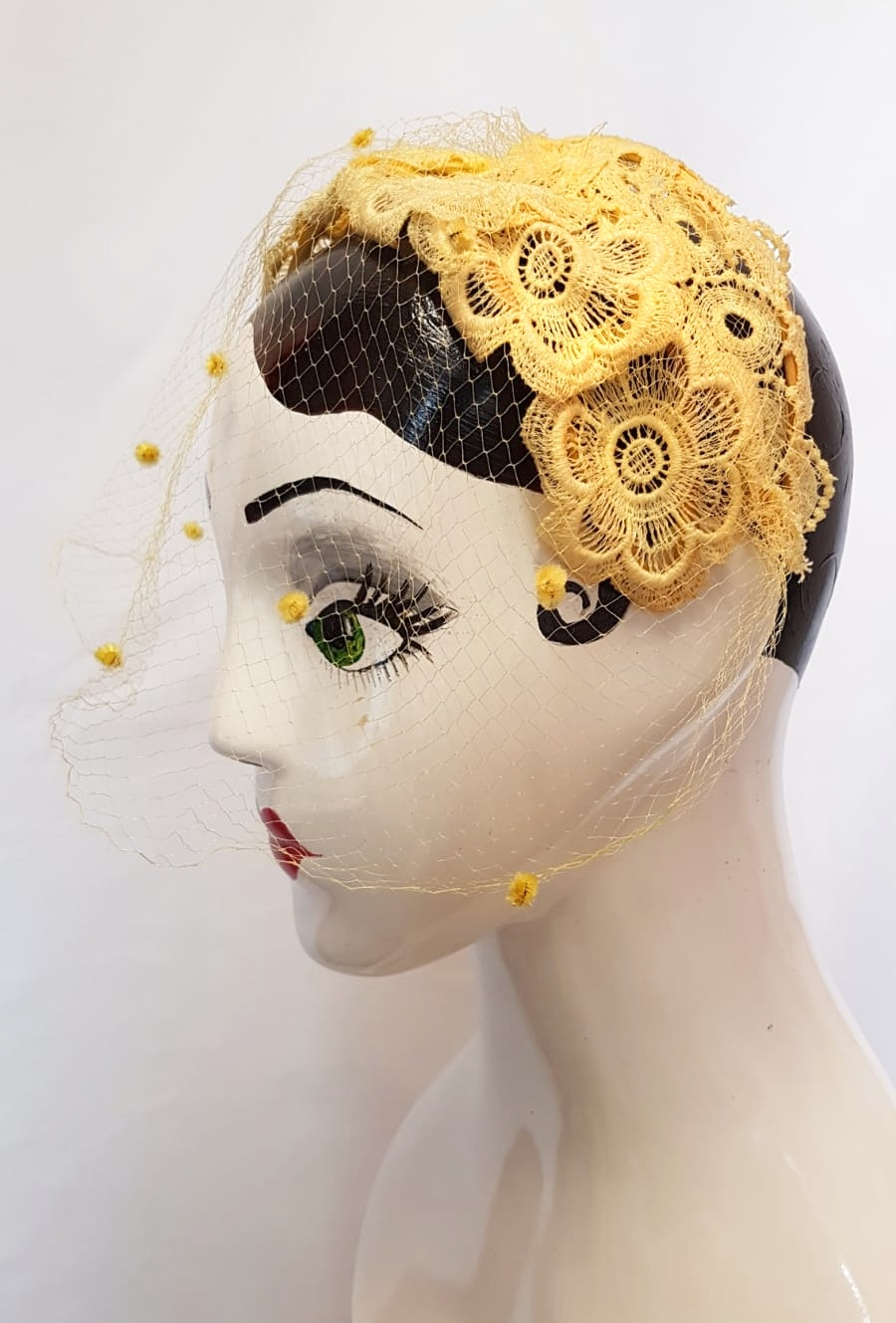 1950s yellow lace bandeau hat with net