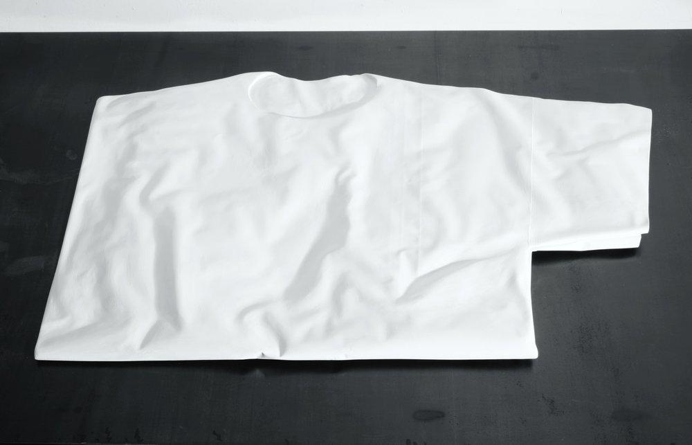 C-shirt gefaltet 2008 Beton 70 x 40 x 4 cm