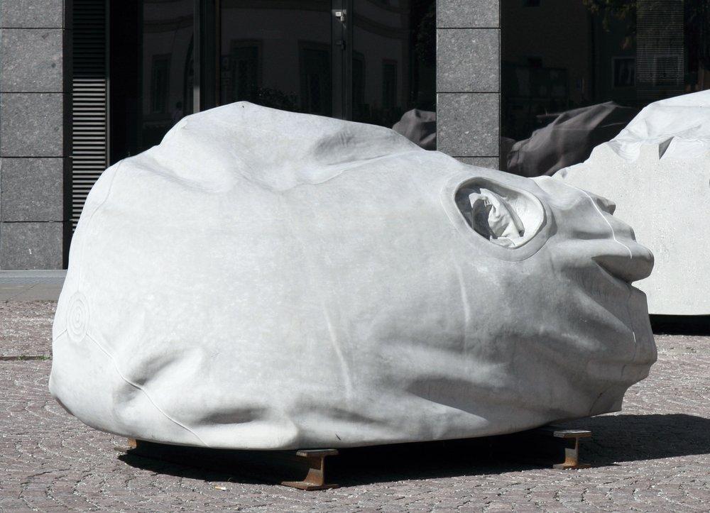 Kopf I 2012 Beton 210 x 160 x 120 cm