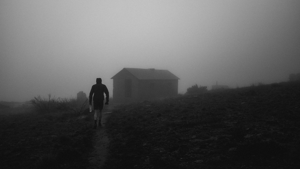Si approaching Sleepad Hut.