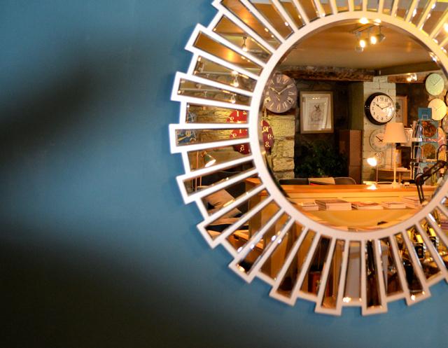 mirror reflect 2.jpg