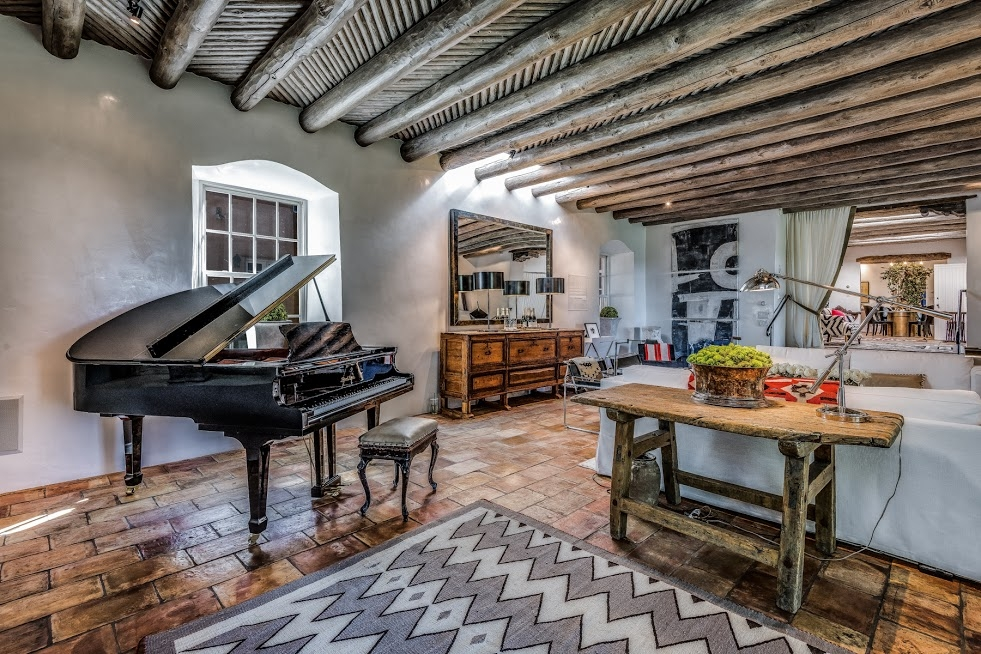 Showhouse 2017 - West of ContemporaryParticipating Design Firms:Stivers & Smith, Santa Fe Home Furnishings, French & French Interiors, Core Value Interiors, Reside Home, Lov & Co, Savage Design, Metamorphosis Home Staging, Nowroozian designs, Showhomes of Santa Fe, Frances Parker, NeuBleu Interiors, Troy Tryon & IIyse Mendel, melinda Browning, Emily Henry Interiors, David Naylor Interiors and Jennifer Ashton Interiors.ARTISTS IN RESIDENCE:Carol Anthony, Abigail Ryan, Cindy Peck, Karen Earle Browne and Francis ParkerPOP UP SHOP:BODHI BAZAAR -