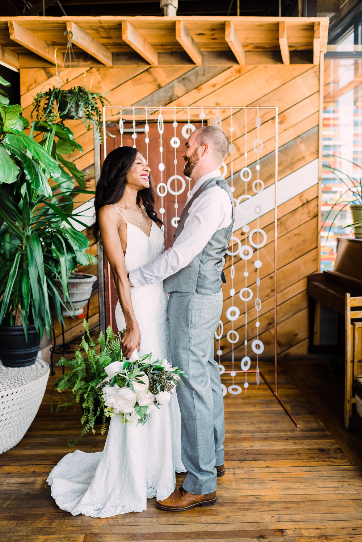 candid wedding photo poses photography tips